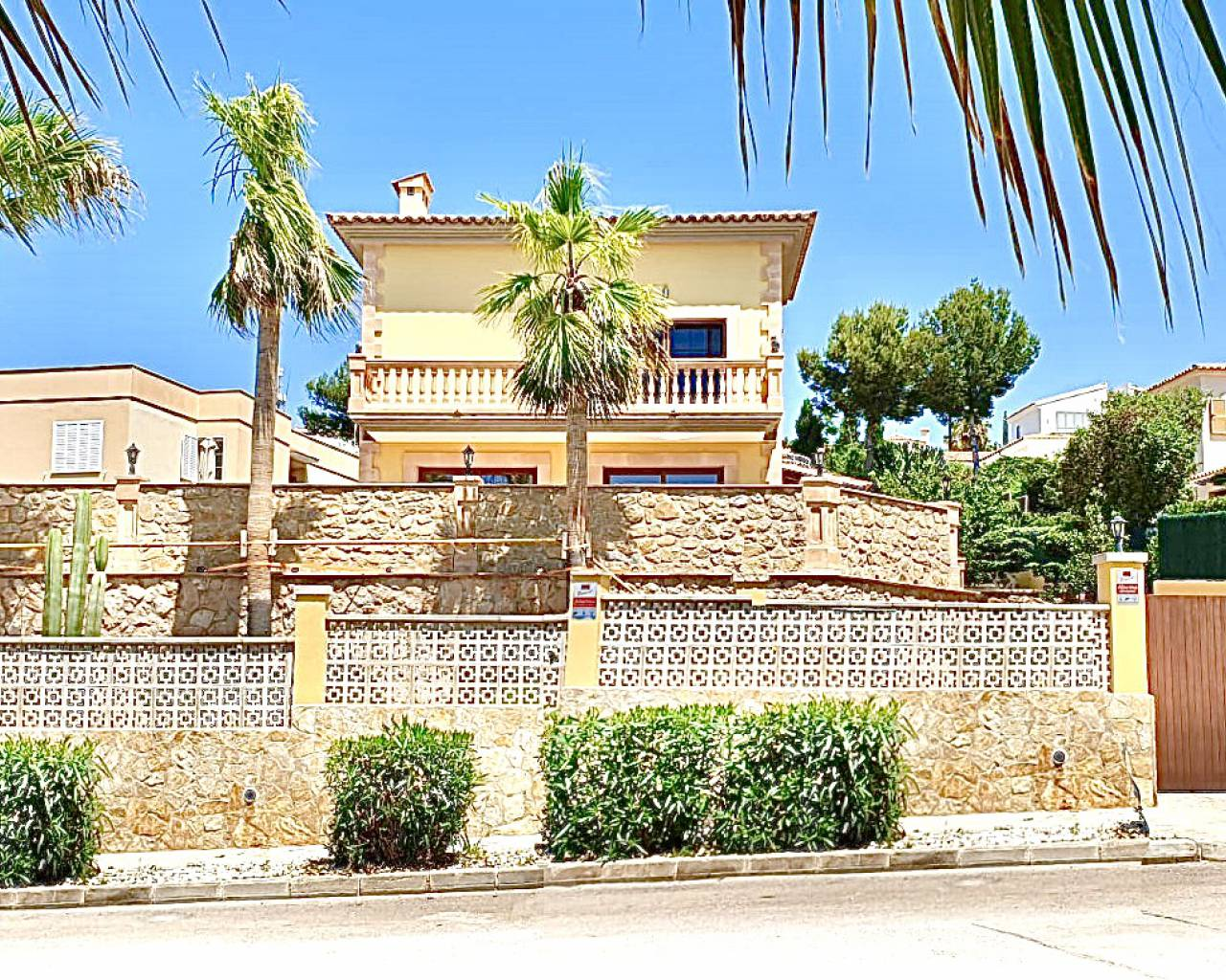 For sale - Villa - Santa Ponsa